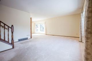 Photo 4: 32 Silver Ridge Court NW in Calgary: Silver Springs Detached for sale : MLS®# A1097094