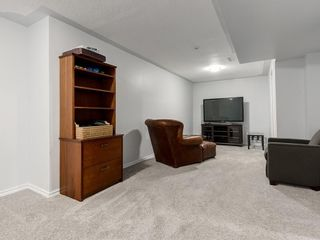 Photo 29: 32 GREENWOOD Crescent SW in Calgary: Glamorgan Detached for sale : MLS®# C4301790