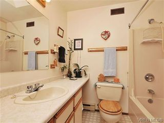 Photo 16: 240 Burnett Rd in VICTORIA: VR Six Mile House for sale (View Royal)  : MLS®# 626557