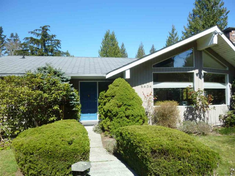 FEATURED LISTING: 6434 SAMRON Road Sechelt