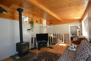 """Photo 3: 7255 WOODMERE Road in Smithers: Smithers - Rural Manufactured Home for sale in """"WOODMERE"""" (Smithers And Area (Zone 54))  : MLS®# R2438178"""