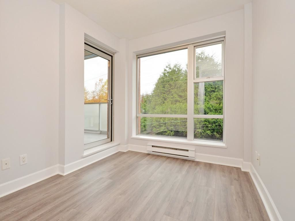 """Photo 12: Photos: 403 3811 HASTINGS Street in Burnaby: Vancouver Heights Condo for sale in """"MONDEO"""" (Burnaby North)  : MLS®# R2119090"""
