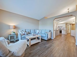 Photo 11: 741 Citadel Drive NW in Calgary: Citadel Detached for sale : MLS®# C4260865