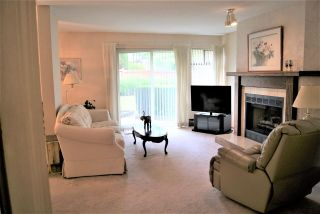 """Photo 2: 104 13888 102 Avenue in Surrey: Whalley Townhouse for sale in """"GLENDALE VILLAGE"""" (North Surrey)  : MLS®# R2590965"""