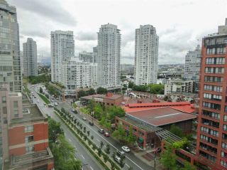Photo 8: Vancouver West in Yaletown: Condo for sale : MLS®# R2083981