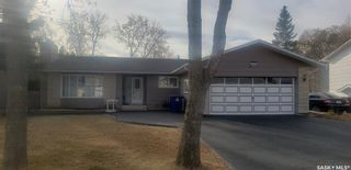 Photo 2: 437 Cockburn Crescent in Saskatoon: Pacific Heights Residential for sale : MLS®# SK841059