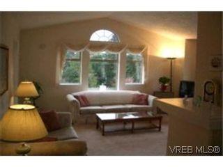 Photo 3:  in VICTORIA: Es Gorge Vale Row/Townhouse for sale (Esquimalt)  : MLS®# 382447