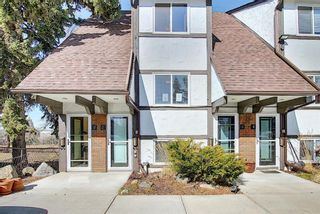 Photo 1: 2 304 Cedar Crescent SW in Calgary: Spruce Cliff Row/Townhouse for sale : MLS®# A1153924