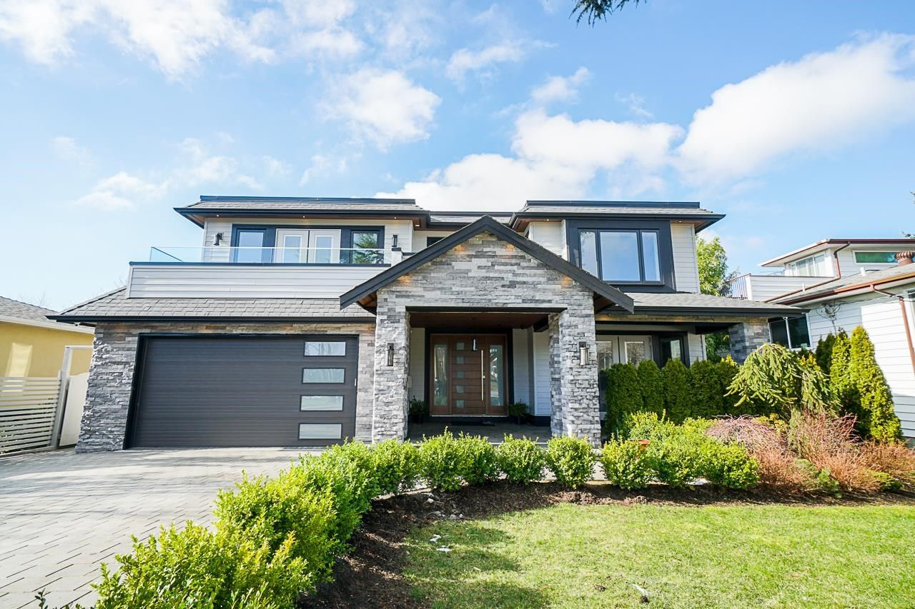"""Main Photo: 1551 ARCHIBALD Road: White Rock House for sale in """"West White Rock"""" (South Surrey White Rock)  : MLS®# R2605550"""