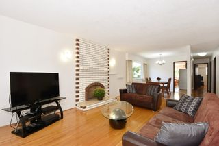 "Photo 5: 126 E 18TH Avenue in Vancouver: Main House for sale in ""MAIN"" (Vancouver East)  : MLS®# V1143362"
