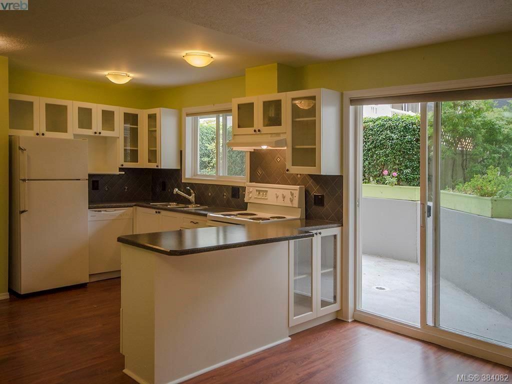 Main Photo: 105 445 Cook St in VICTORIA: Vi Fairfield West Condo for sale (Victoria)  : MLS®# 771947