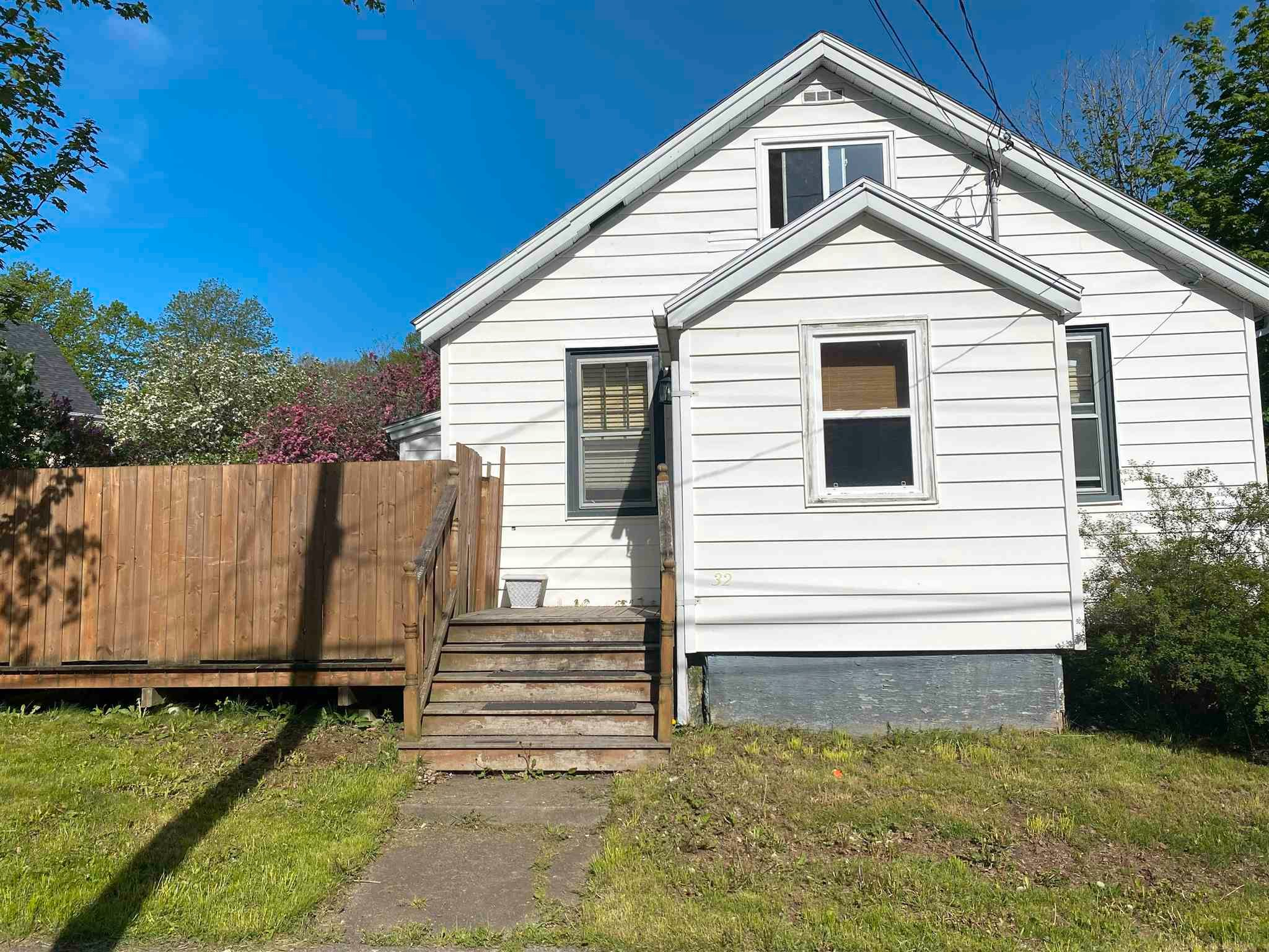 Main Photo: 32 Rotary Drive in Sydney: 201-Sydney Residential for sale (Cape Breton)  : MLS®# 202114310