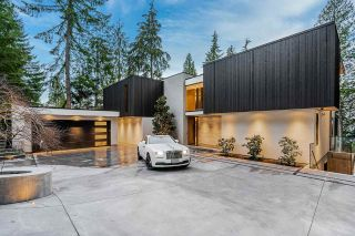 Photo 1: 4663 PROSPECT Road in North Vancouver: Upper Delbrook House for sale : MLS®# R2562197