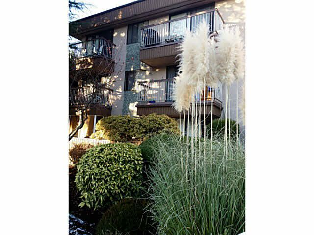 """Main Photo: 106 15369 THRIFT Avenue: White Rock Condo for sale in """"Anthea Manor"""" (South Surrey White Rock)  : MLS®# F1427991"""