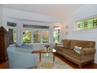"""Photo 2: 902 W 23RD Avenue in Vancouver: Cambie House for sale in """"DOUGLAS PARK"""" (Vancouver West)  : MLS®# V1125620"""