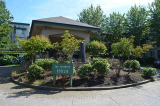 """Photo 11: 229 19528 FRASER Highway in Surrey: Cloverdale BC Condo for sale in """"FAIRMONT"""" (Cloverdale)  : MLS®# R2087979"""