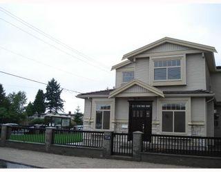 Photo 3: 7715 WEDGEWOOD Street in Burnaby: Burnaby Lake 1/2 Duplex for sale (Burnaby South)  : MLS®# V776716