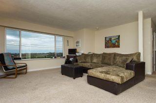 "Photo 2: 561 56TH Street in Delta: Pebble Hill House for sale in ""PEBBLE HILL"" (Tsawwassen)  : MLS®# R2045239"