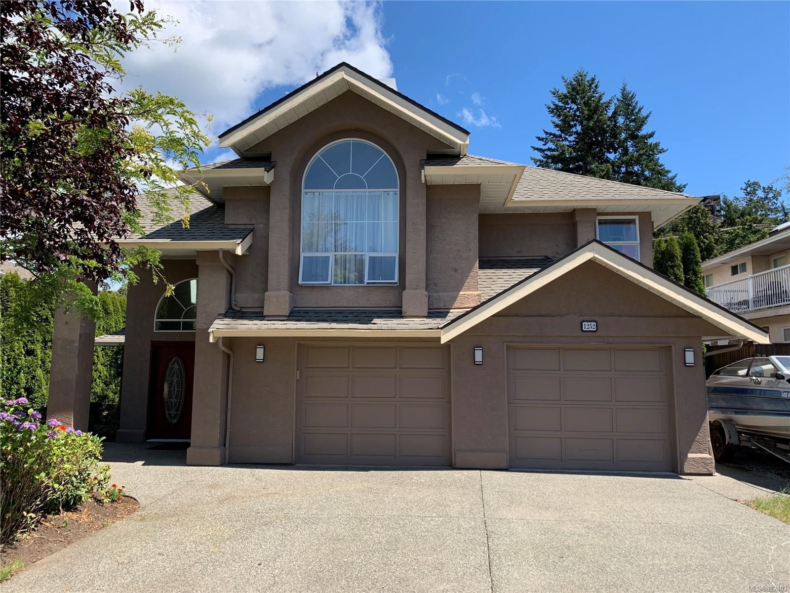 Main Photo: 1252 Crofton Terr in : SE Sunnymead House for sale (Saanich East)  : MLS®# 882403