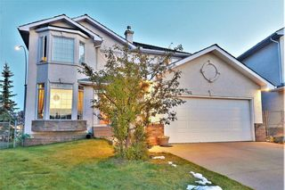 Photo 2: 27 Hampstead Grove NW in Calgary: Hamptons Detached for sale : MLS®# A1069832