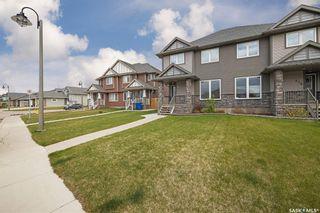 Photo 3: 511 Pringle Crescent in Saskatoon: Stonebridge Residential for sale : MLS®# SK856510