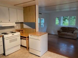 Photo 4: 9 5294 SELMA PARK Road in Sechelt: Sechelt District Manufactured Home for sale (Sunshine Coast)  : MLS®# R2623578