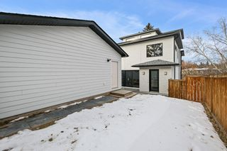 Photo 2: 4712 Elbow Drive SW in Calgary: Elboya Detached for sale : MLS®# A1061767