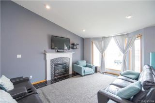 Photo 3: 44 Edelweiss Crescent in Niverville: Fifth Avenue Estates Residential for sale (R07)  : MLS®# 1709768