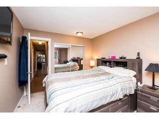 """Photo 18: 10531 HOLLY PARK Lane in Surrey: Guildford Townhouse for sale in """"HOLLY PARK LANE"""" (North Surrey)  : MLS®# R2147163"""