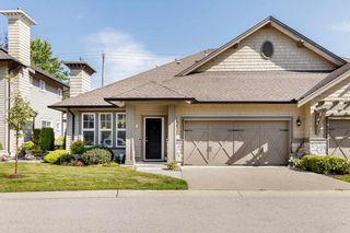 """Photo 1: 14 19452 FRASER Way in Pitt Meadows: South Meadows Townhouse for sale in """"SHORELINE"""" : MLS®# R2487652"""