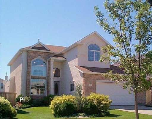 Main Photo: 62 STONINGTON Bay in WINNIPEG: River Heights / Tuxedo / Linden Woods Residential for sale (South Winnipeg)  : MLS®# 2821653
