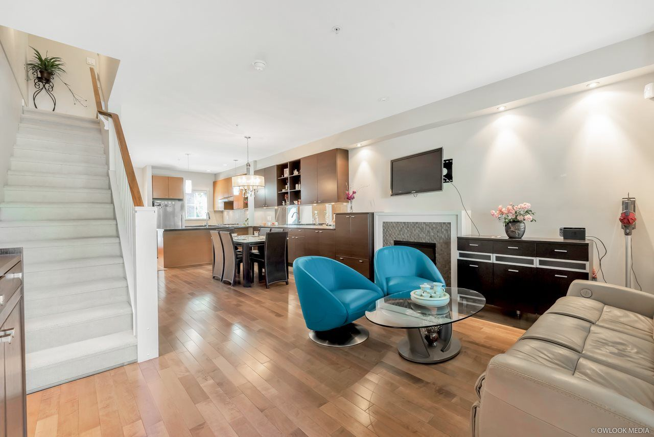 Main Photo: 1016 W 45TH Avenue in Vancouver: South Granville Townhouse for sale (Vancouver West)  : MLS®# R2487247