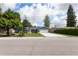 Photo 5: 20561 43A Avenue in Langley: Brookswood Langley House for sale : MLS®# R2511478