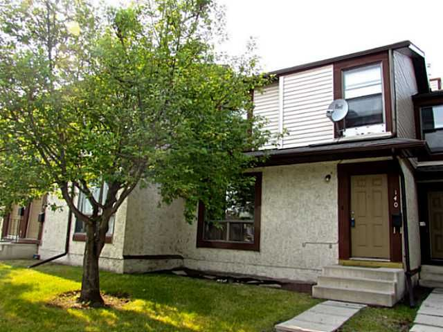 Main Photo: 140 DEER RIDGE Lane SE in CALGARY: Deer Ridge Townhouse for sale (Calgary)  : MLS®# C3629985