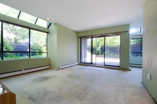 """Photo 3: 102 2885 SPRUCE Street in Vancouver: Fairview VW Condo for sale in """"Fairview Gardens"""" (Vancouver West)  : MLS®# R2267756"""