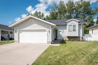 Photo 3: 1210 Grey Avenue: Crossfield House for sale : MLS®# C4125327