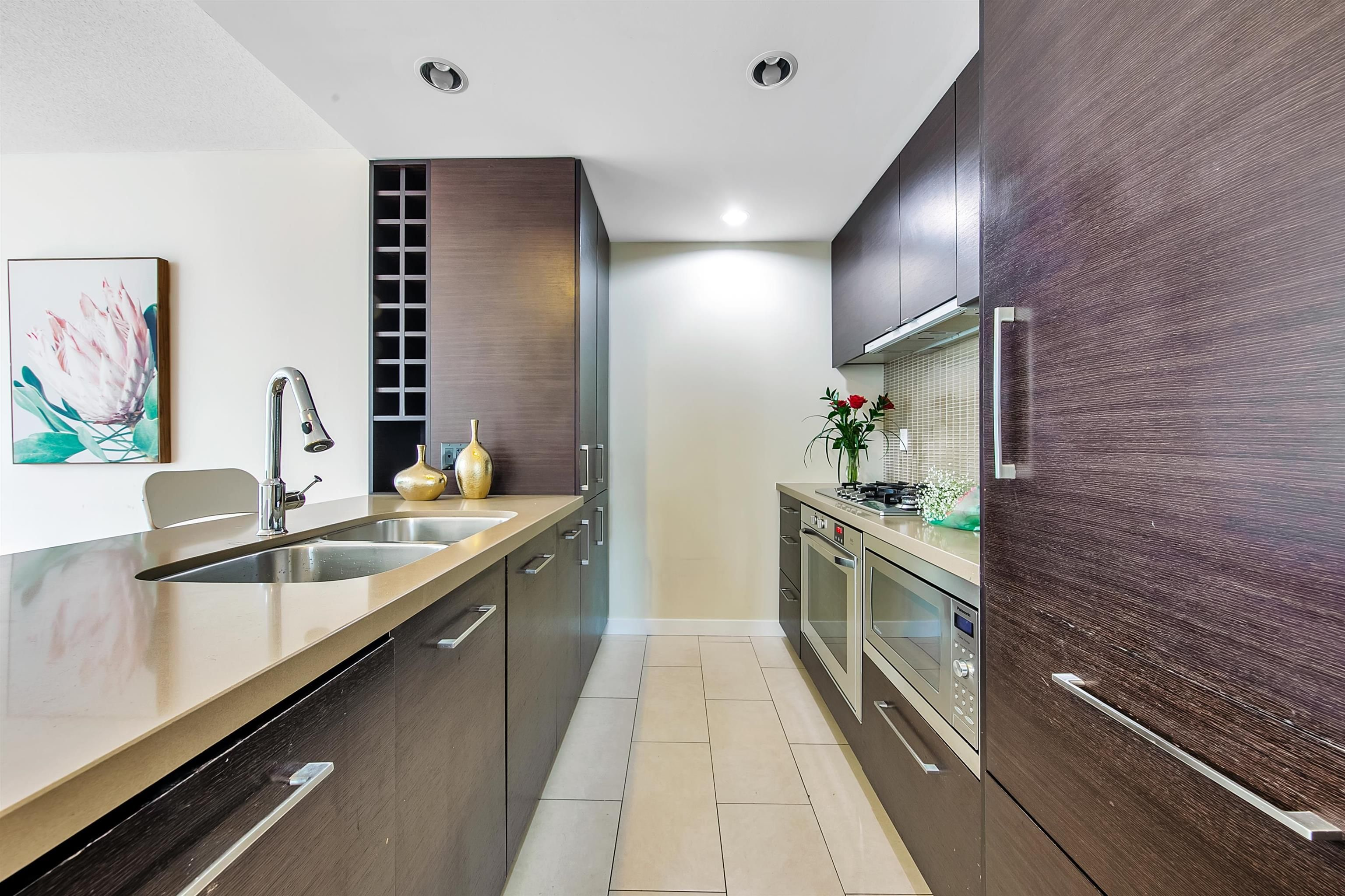 """Photo 5: Photos: 2302 833 HOMER Street in Vancouver: Downtown VW Condo for sale in """"Atelier"""" (Vancouver West)  : MLS®# R2615820"""