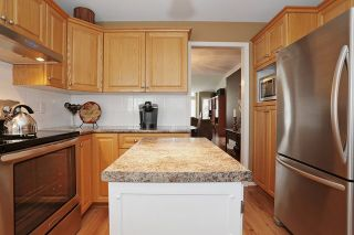 "Photo 11: 17102 57 Avenue in Surrey: Cloverdale BC House for sale in ""RICHARSDON RIDGE"" (Cloverdale)  : MLS®# R2010265"