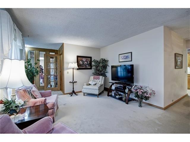 Photo 12: Photos: 210 OAKMOOR Place SW in Calgary: Oakridge House for sale : MLS®# C4091579