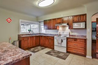 """Photo 5: 618 10TH Street in New Westminster: Moody Park House for sale in """"MOODY PARK"""" : MLS®# R2028189"""