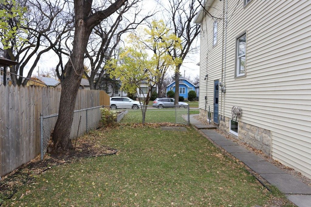 Photo 24: Photos: 626 Greenwood Place in Winnipeg: West End Duplex for sale (5C)  : MLS®# 1728014