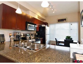 Photo 3: 110 18701 66 Avenue in Surrey: Cloverdale Townhouse for sale : MLS®# F2813897