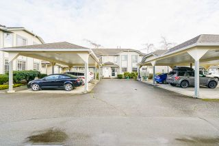 """Photo 3: 7 5760 174 Street in Surrey: Cloverdale BC Townhouse for sale in """"Stetson Village"""" (Cloverdale)  : MLS®# R2559810"""