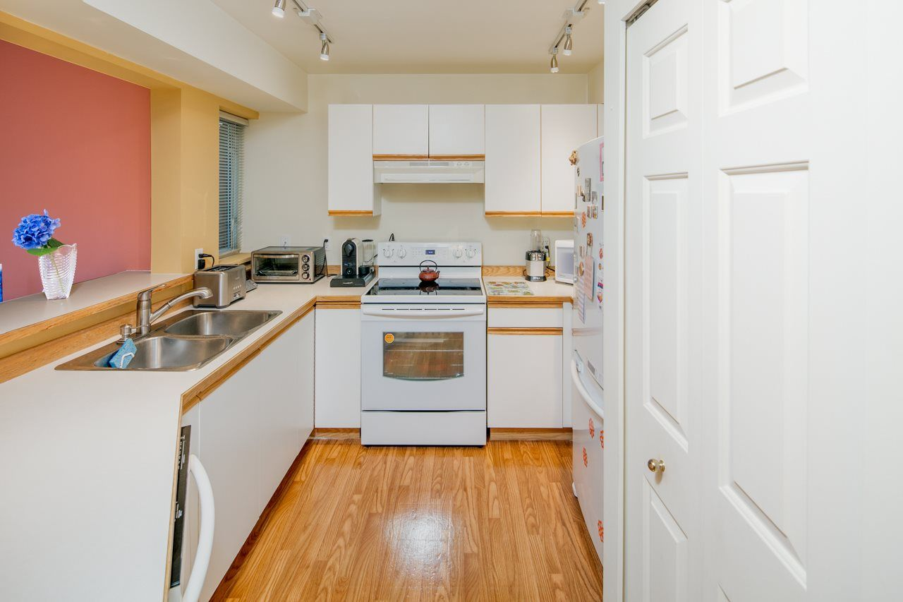 Photo 6: Photos: 109 628 W 13TH AVENUE in Vancouver: Fairview VW Condo for sale (Vancouver West)  : MLS®# R2205140