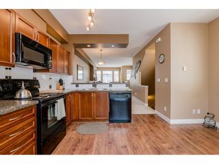 """Photo 10: 73 19932 70 Avenue in Langley: Willoughby Heights Townhouse for sale in """"Summerwood"""" : MLS®# R2388854"""