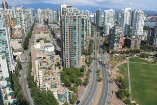 """Photo 4: 3308 1408 STRATHMORE Mews in Vancouver: Yaletown Condo for sale in """"WEST ONE"""" (Vancouver West)  : MLS®# R2118511"""