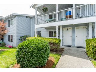"""Photo 2: 211 32691 GARIBALDI Drive in Abbotsford: Abbotsford West Townhouse for sale in """"CARRIAGE LANE"""" : MLS®# R2418995"""