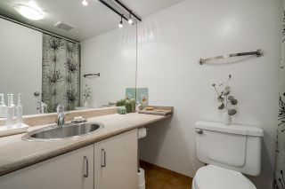 """Photo 30: 518 22 E CORDOVA Street in Vancouver: Downtown VE Condo for sale in """"Van Horne"""" (Vancouver East)  : MLS®# R2600370"""