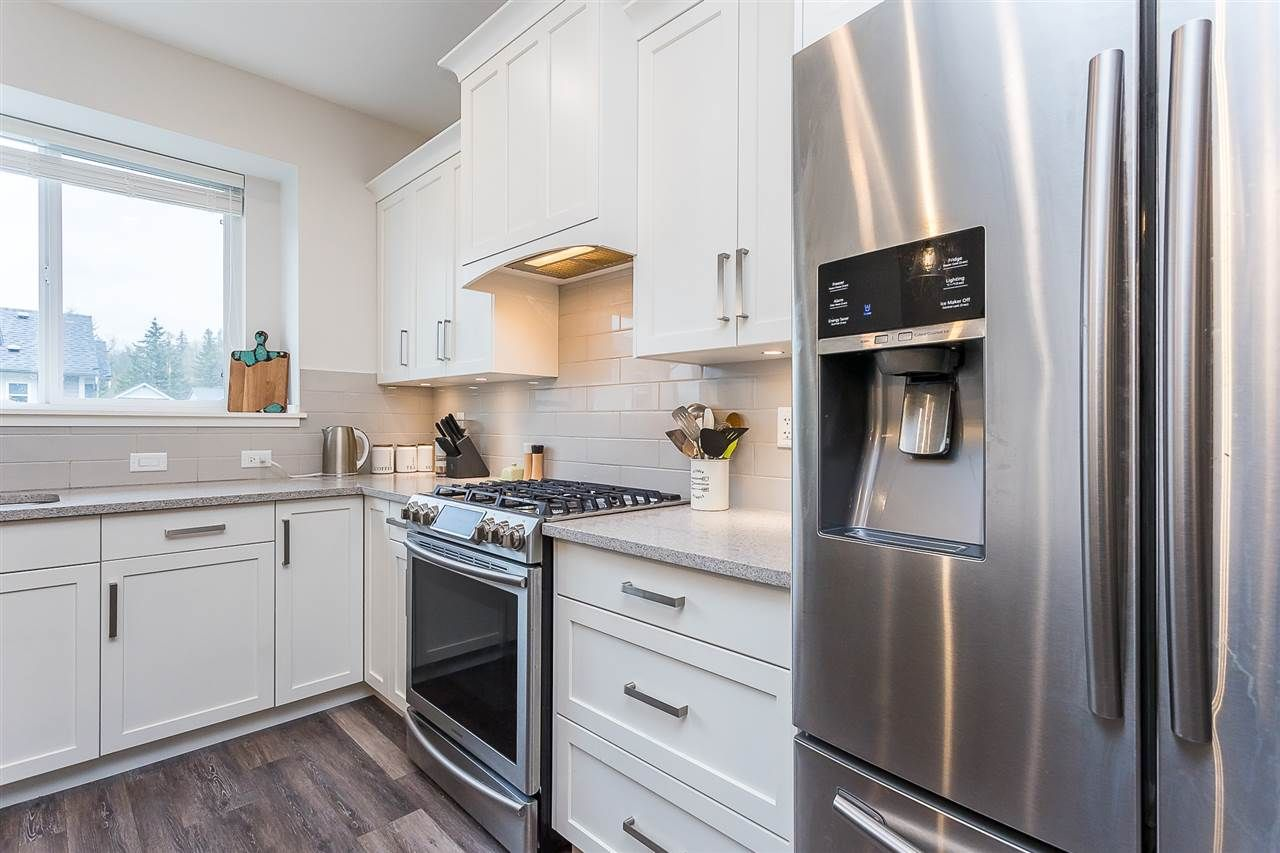 """Photo 3: Photos: 4 4295 OLD CLAYBURN Road in Abbotsford: Abbotsford East House for sale in """"Sunspring Estates"""" : MLS®# R2562456"""