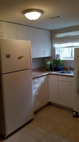 Photo 9: 8909 80 AV NW: Edmonton House for sale : MLS®# E4011863